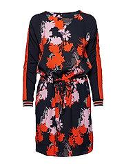 Dress in forest print w. waist tieb - FOREST PRINT