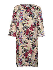Dress in winter berry print w. ragl - WINTER BERRY PRINT