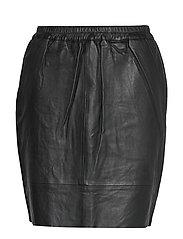 Leather skirt w. elastic in waist - BLACK