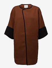 Coster Copenhagen - Quilted jacket w. jersey turn up - light coats - cognac - 0