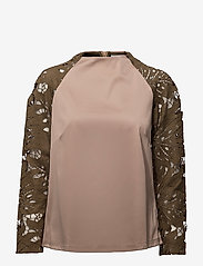 Coster Copenhagen - Scuba top w. lace sleeve - blouses à manches longues - dark powder/dark olive - 0