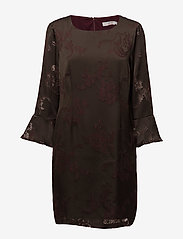 Coster Copenhagen - Dress w. sleeve ruffle burn-out - courtes robes - burn-out jacquard - 0