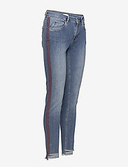 Coster Copenhagen - Jeans - relaxed fit, ankle lenght w. little flare and stripe - straight jeans - classic indigo - 2