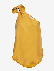 Coster Copenhagen - Top w. one-shoulder and bow - Ærmeløse bluser - gold spice - 0