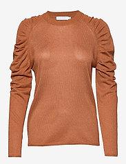 Coster Copenhagen - Knit in lurex w. volume at shoulder - pulls - camel - 0