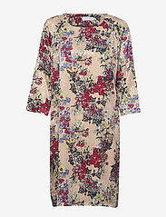 Coster Copenhagen - Dress in winter berry print w. ragl - robes longeur du midi - winter berry print - 0