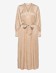 Coster Copenhagen - Shirt dress in leopard jacquard - kveldskjoler - vanilla - 0