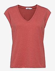 Coster Copenhagen - CC Heart basic v-neck t-shirt  - t-shirts - blush - 0