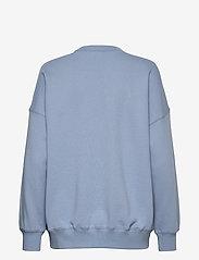 Coster Copenhagen - CC Heart oversize sweatshirt - Orga - sweatshirts & hættetrøjer - dusty blue - 1