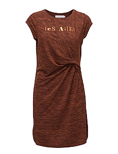 Jersey dress w. asymetrical pleats - BURNT COBBER