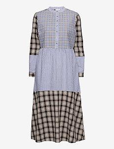 Long dress w. mixed shirting colors - skjortekjoler - shirting mix