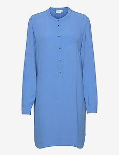 Shirt dress in heavy moss crepe - sommarklänningar - airy blue