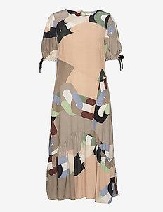 Assymmetrical dress in chain print - zomerjurken - chain print