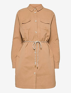 Sporty coat w. belt - tunna kappor - golden beige