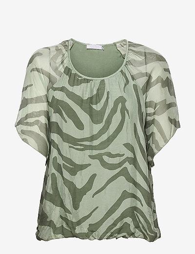 Silk top with short sleeves - kortærmede bluser - safari print