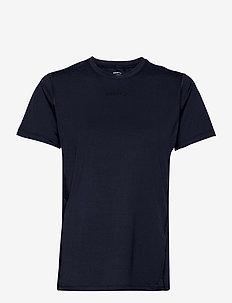 ADV ESSENCE SS TEE W - t-shirts - blaze