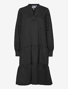 Luciacras dress - midiklänningar - black