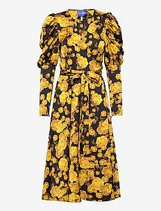 Lanacras wrap dress - omlottklänningar - yellow rose