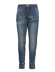 Mia Jogg Denim Boyfriend Jeans Blå CREAM