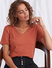 Cream - Naia T-shirt - t-shirts - baked clay - 6