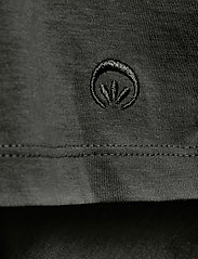 Cream - Naia T-shirt - t-shirts - pitch black - 3