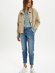 Cream - CRCarla Short Jacket - faux fur - sesame melange - 3