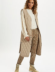 Cream - CRMelika Quilted Waistcoat - puffer vests - silver mink - 3
