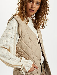 Cream - CRMelika Quilted Waistcoat - puffer vests - silver mink - 5