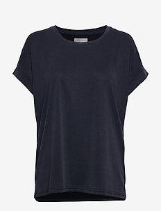 Kajsa T-shirt - t-shirts - salute