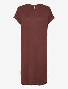 Kajsa T-Shirt Dress - t-shirtkjoler - bitter chocolate