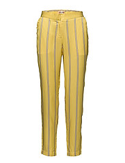 Payton - Yarrow yellow