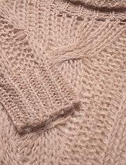 Custommade - April - turtlenecks - fawn - 2