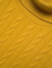 Custommade - Arabella - puffer vests - golden rod - 2