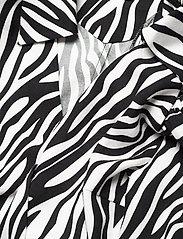 Custommade - Dakota - långärmade blusar - black/white - 2