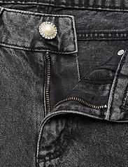 Custommade - Yuki - raka jeans - silver sconce - 3