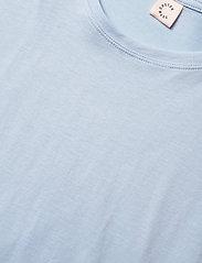 Custommade - Molly Pearl - t-shirts - powder blue - 2