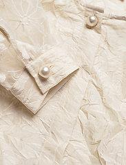 Custommade - Dua - långärmade blusar - whisper white - 3