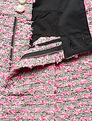 Custommade - Aliba - shorts casual - black / pink - 3