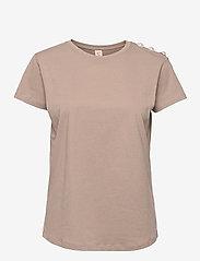 Custommade - Molly Pearl - t-shirts - fungi brown - 0