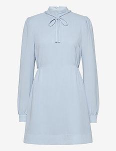 Prisilla - midiklänningar - angel blue
