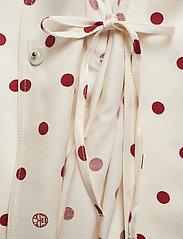 Dagmar - Alanis - kimonoer - off white + burgundy dot - 3