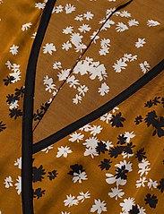 Dagmar - Alanis - kimonoer - caramel print - 2