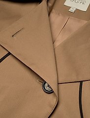 Dagmar - Koto - trenchcoats - sand - 4