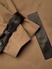 Dagmar - Koto - trenchcoats - sand - 5