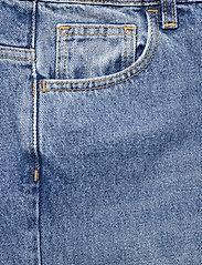 Dagmar - Alba - straight regular - medium blue - 2