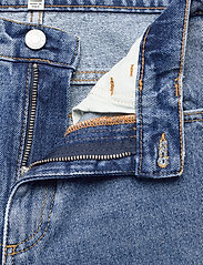 Dagmar - Alba - straight regular - medium blue - 3