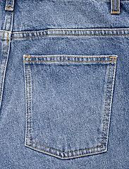 Dagmar - Alba - straight regular - medium blue - 4