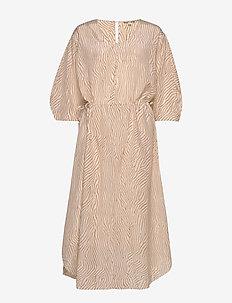 Misty - midi kjoler - sand print
