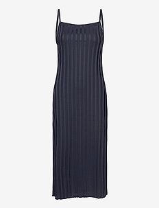 Patricia - midi kjoler - navy