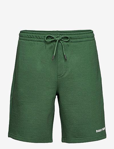 refarid short - casual shorts - pineneedle green/verdent green